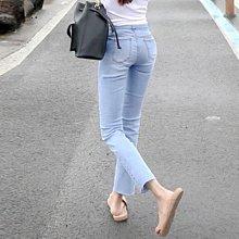 新品特價至6/25調回原價980牛仔褲 彈力親膚超好穿淺藍修身高腰九分褲 艾爾莎【TAE8837】