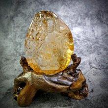 天然黃膠花水晶——濟公活佛+樹根座(P04)大擺件