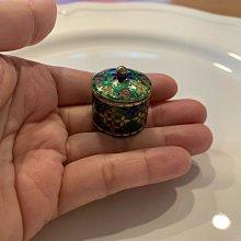 印度琺瑯嶄刻綠色圓形小銀罐