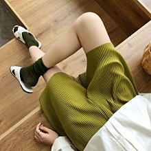 【UBY】顏色太美了!壓皺百褶休閒短褲