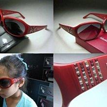 【信義計劃眼鏡】Salvatore Ferragamo 費洛加蒙 太陽眼鏡 義大利製紅色膠框 方形水鑽 搭配短褲