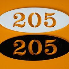 (((標示牌專家))) 雷射切割套房門牌 號碼牌 雕刻數字牌 識別名牌 胸牌 飯店鑰匙牌  機械銘牌