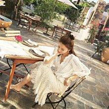 韓系 韓版  V領鏤空蕾絲上衣M-XL白色氣質V領荷葉邊收腰七分袖娃娃襯衫2F044.9124  胖胖美依  胖胖美依