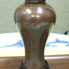 """清代""""石叟""""款銅製嵌銀梅瓶"""