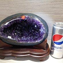 🏆【168 精品】🏆 烏拉圭ESP 收藏級紫晶洞重5.85kg寬23cm高20cm洞深6cm高紫度洞型圓【C92】