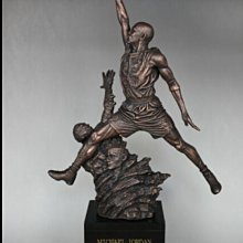 Michael Jordan 空中飛人雕像模型