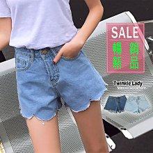 『現貨』《S-XL》新款 時尚高腰顯瘦不規則波浪毛邊 牛仔短褲 熱褲 淺藍色出清【EC0112】-崔可小姐