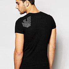 【Yisz World 】EMPORIO ARMANI T-shirt 時尚後背斜老鷹圓領上衣_尊爵黑
