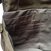 Point Of View字樣 男用電腦包 公事包 側背包 休閒電腦包 軍綠色