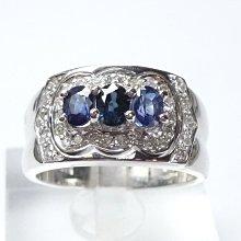 【連漢精品交流中心】《天然藍寶石 0.90CT 》14白K金設計款奢華 藍寶石鑽戒 (女戒)~