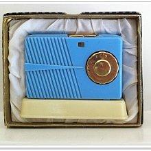 西風(((新奇無線電藍色收音機造型音樂打火機 日本製(原箱付)