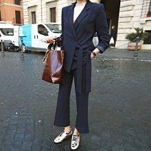 兩件式長袖褲裝闊腿褲外套 深藍特色綁帶西裝外套+寬管西裝褲 艾爾莎【TGK8054】