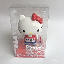 [Kitty 旅遊趣] Hello Kitty 玩偶 VARIARTS紀念人形小擺飾 凱蒂貓 運動 金色 公仔 收藏