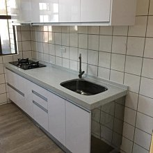 名雅歐化廚具239公分石英石檯面+下櫃F1木心桶身+上櫃F1木心桶身+五面結晶門板
