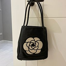Chanel 山茶花黑白包