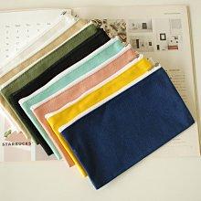 【里樂@ LeaThER】日系純色收納包 化妝包 帆布包帆布袋筆袋 衛生棉包  巧 732