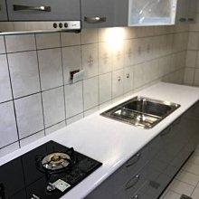 名雅歐化廚具270公分美耐檯面+上櫃F1木心桶身+下櫃F1木心桶身+四面封美耐門板
