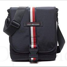官網真品 Tommy Hilfiger 紅白條紋深藍色海軍藍防水尼龍 小斜背包 肩背包 郵差包男女適用 愛COACH包包