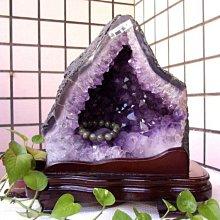 小風鈴~天然火型紫晶洞共生鈦晶重12kg洞深9公分.藏財最佳品.能量最強喔!附贈底座