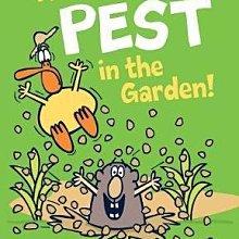 全新 現貨 There's a Pest in the Garden! 精裝版
