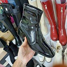 ☆╮街頭教主。直播爆款名模走秀款亮皮漆皮小方頭短靴 機車靴