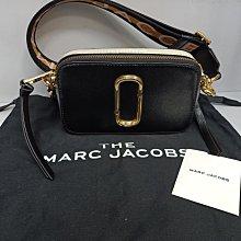 #小謹店舖#售出 MARC JACOBS Snapshot 撞色牛皮斜背相機包(黑灰x字母金蔥背帶) 95成新