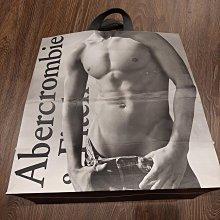 現貨 Abercrombie Fitch 專櫃精品紙袋 禮物袋 環保袋 經典黑白色 尺寸39x35x16CM 狀況良好如照片 可與其他紙袋合併運費