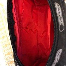 全新Lesportsac Snoopy聯名款小化妝包,購於台灣新光三越代理商台灣藍鐘貨,原價$1350分享價$950(含郵)限時特惠結單價$800(含運)