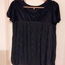 ♥日本品牌♥【CLEAR IMPRESSION】~~黑色白點點胸前百褶上衣~~990元