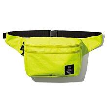 日本 KiU 182-935 螢光黃 2用隨身包: 防潮防水胸包變背包 x 單肩包變雙肩包 沙灘袋 游泳袋