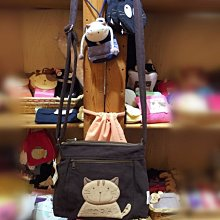 日本卡拉貓TORA防水斜背包