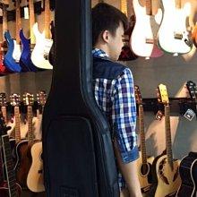 【六絃樂器】全新台灣製合成皮硬式電吉他袋 軟盒 可雙肩揹 保護性佳 / 現貨特價