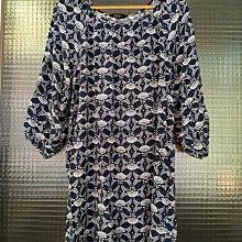 台灣品牌 NET 深藍色白色印花五分袖涼爽舒適圓領長版上衣洋裝