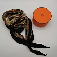 HERMES☆愛馬仕☆百褶圍巾☆真絲圍巾☆馬圖案—-黑色