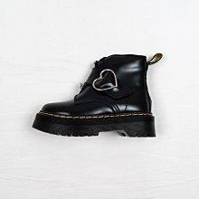 Dr. Martens x Lazy Oaf Buckle Boot 馬汀靴 黑色 硬皮 心型扣帶 厚底 短筒 女鞋