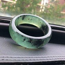 快樂的小天使--天然岫玉180綠料水墨飄綠玉鐲寬版54MM口徑21MM寬度綠冰料--請下標宅配