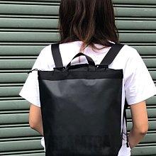 日本StreamTrail戶外防水包新款~Mullet II / 輕巧手提後背包 II--瑪瑙黑Onyx 超好看的一款包