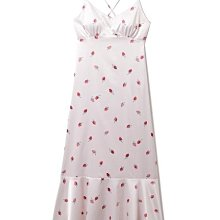 G428仿真絲緞面 小草莓 細肩帶荷葉擺連身裙 細肩帶洋裝 居家服 $980 Gelato pique