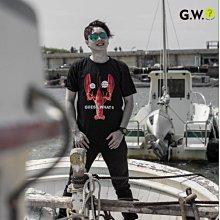 GW 設計款 龍蝦新裝 黑色短袖T恤 上衣 SIT DOWN PLEASE 與龍共舞 香港 港片男女 guesswhat