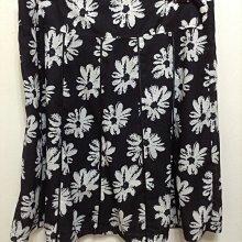 大尺碼品牌H&L黑底白花及膝裙  棉5%  46號