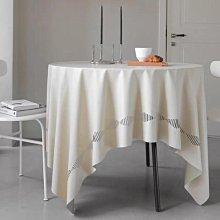 MOK 北歐風 簡約時尚 鏤空設計 PU皮 可擦洗 防水防油餐桌巾 桌布 米色 138×260