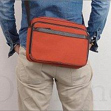 美國真品 Coach 尼龍織布 拉鍊 航空包 斜背包 郵差包 男女適用 逛街出國 內有多夾層袋超方便 愛Coach包包