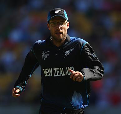 Vettori leaps to Aussie defence