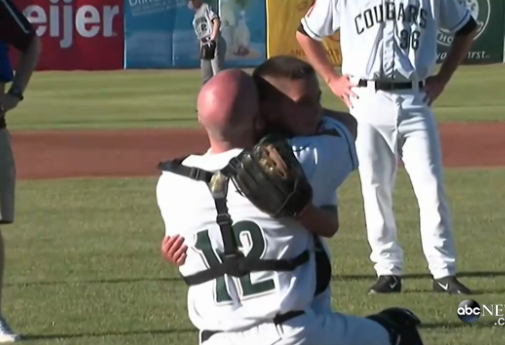 Military dad surprises son at baseball game