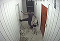 WATCH: Hopeless thief gets trapped, panics