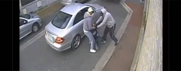 An elderly man foiled this attempted abduction (7News)