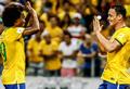 Willian brilha e Brasil passa fácil pela Venezuela