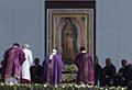"""El Papa critica a """"una sociedad de pocos y para pocos"""""""
