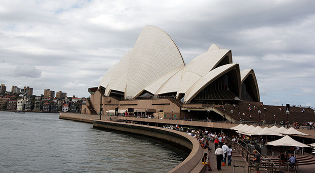 Man charged at Sydney Opera House with threatening property