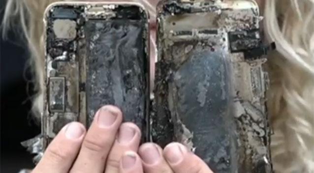 iphone 7 горит